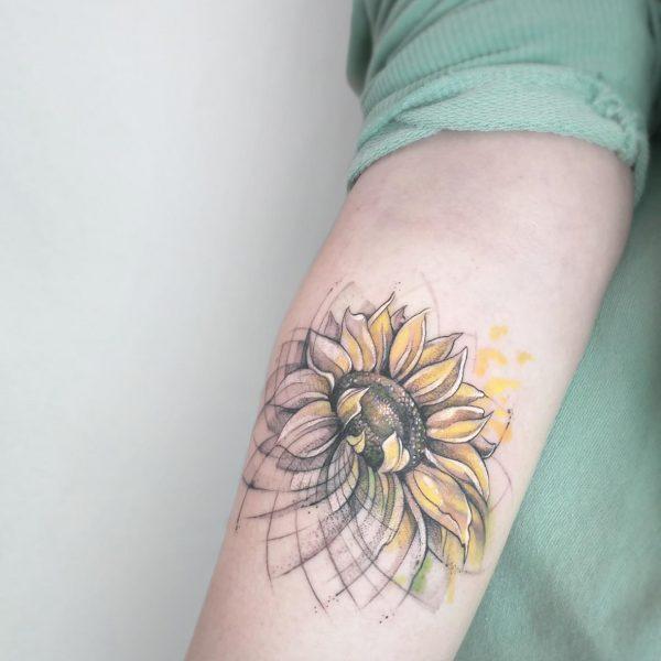 Mirko Pugliese Tattoo Atelier-tatuaggio-braccio-coppia-handmade-freehand-mano-libera-valle-itria-puglia-taranto-girasole