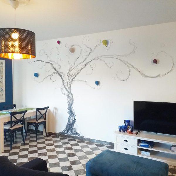 Mirko-Pugliese-Tattoo-Atelier-dipinto-su-parete-albero-della-vita-arredo-taranto