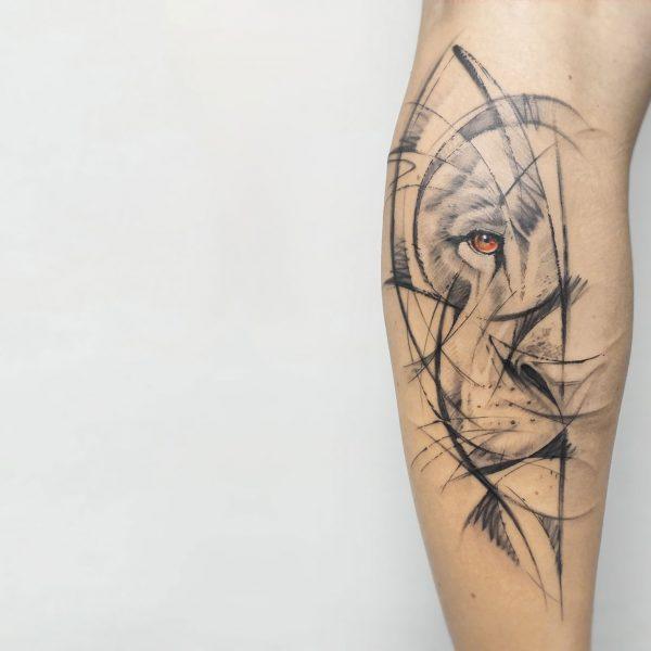 tatuaggio-taranto-leone-stilizzato-tatuatore-taranto-mirko-pugliese